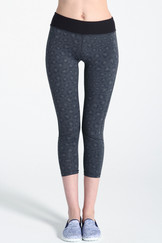 A61Y1357 / Sweatwicking for a run printed panelled leggings