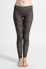 A51Y1303 / Unknown Future ankle length leggings