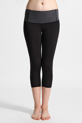 A51Y1301 /  Sweat wicking wicked over knee flow leggings